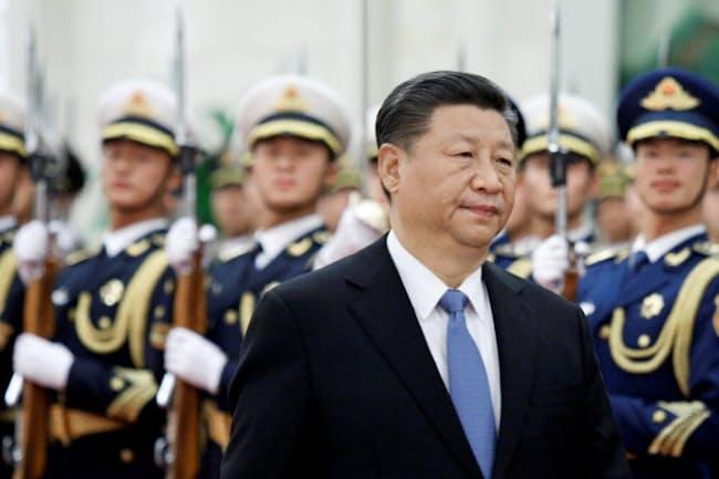 中国の習近平政権は軍事力で南シナ海に押し出す構えを強めている