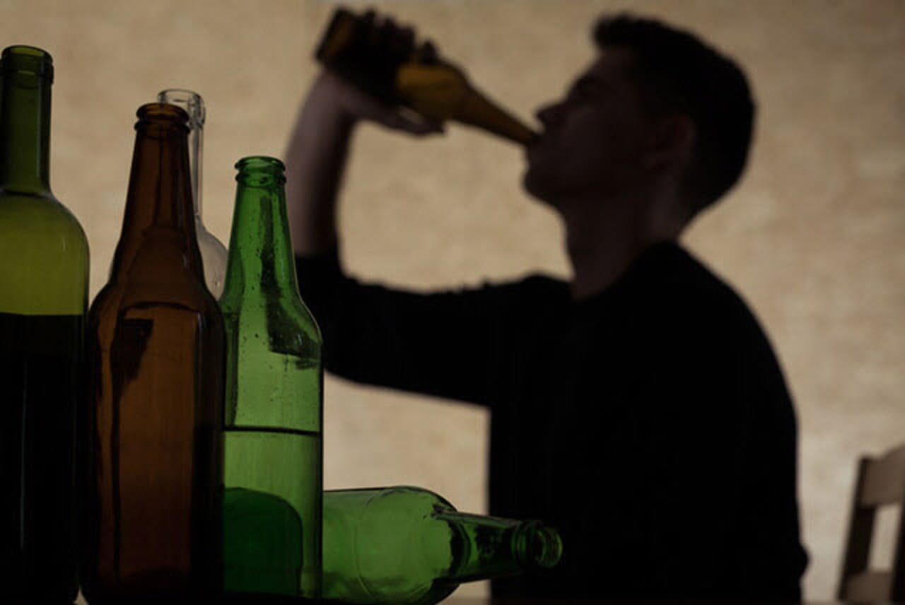 """アルコールは免疫システムに直接的な悪影響を及ぼすだけでなく、より深刻な""""二次的""""影響を与えるという。(c) Katarzyna Bialasiewicz-123RF"""