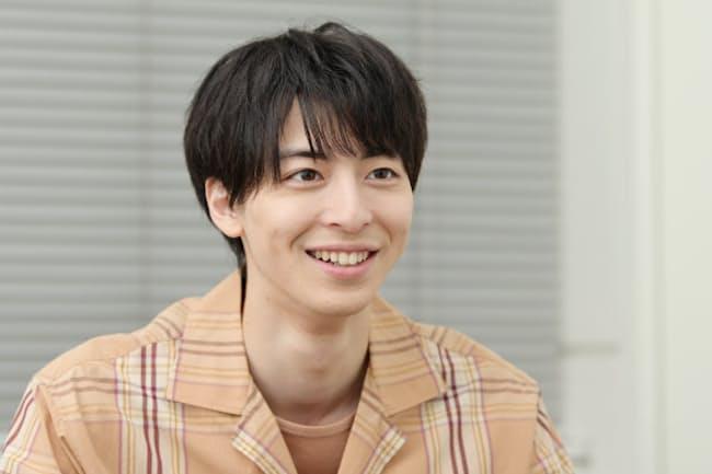 たかすぎ・まひろ 1996年福岡県出身。2009年に俳優デビュー。12年に映画初主演。テレビドラマや映画、演劇など多方面で活躍。12月から松井周・脚本、柄本明・演出の舞台「てにあまる」に出演予定。