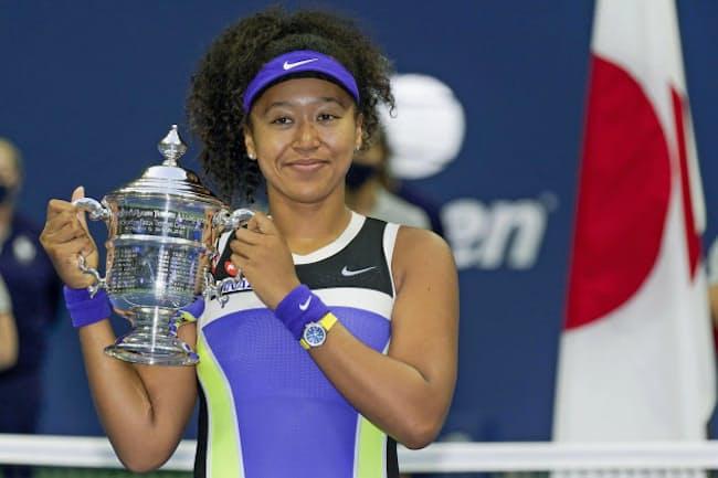 テニスの全米オープン女子シングルスで2度目の優勝を果たした大坂なおみ選手。黄色いベルトの時計に注目が集まった=AP