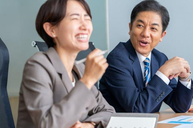 職場での「おやじギャグ」は笑ってもらえるとは限らない(写真はイメージ)=PIXTA