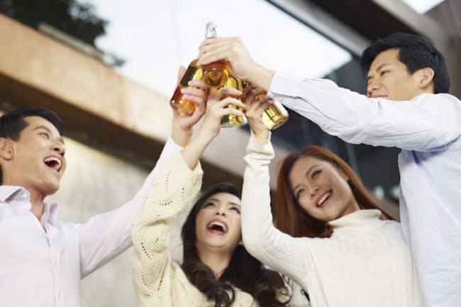 未成年に対するアルコールの影響を正しく認識していますか? (c)imtmphoto-123RF