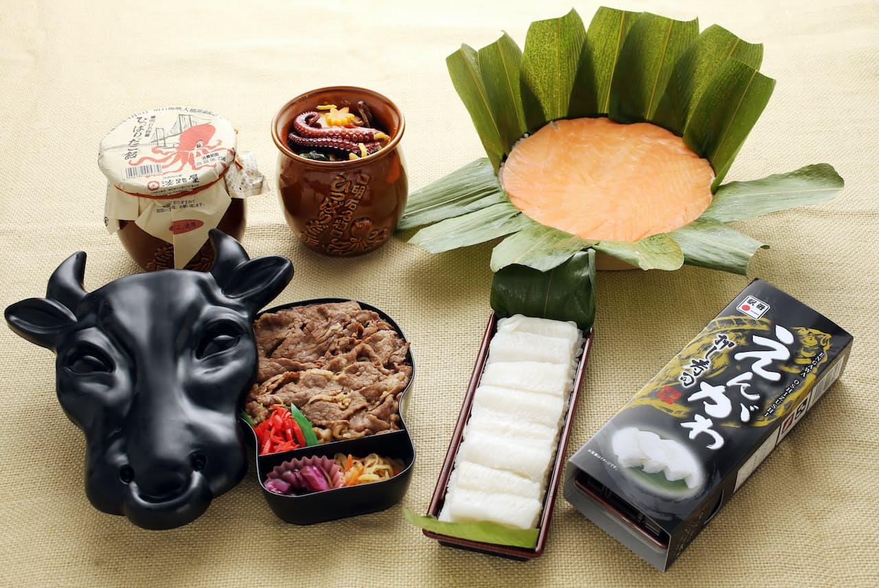 (右手前から左へ)東1位 えんがわ押し寿司、西1位 モー太郎弁当。(右奥から左へ)東2位 ますのすし一重 (左手前から)、西2位 ひっぱりだこ飯(神戸駅)