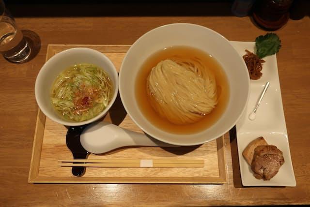 「らぁ麺や嶋」の「鰹昆布水つけ麺(しお)」