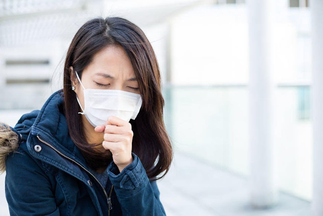 だんだんと寒くなり、「せき」の季節になってきた。周りは気になるが、カラダのためには必要? 写真はイメージ=(c)Leung Cho Pan-123RF