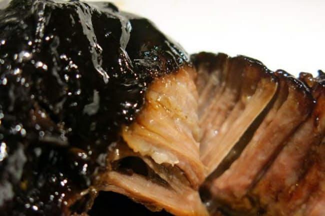 東京・広尾にオープンしたビストロ「Bistro Nemot(ビストロ ネモ)」の「牛ホホ肉の赤ワイン煮込み」(フルポーション2400円、ハーフ1300円、いずれも税別)