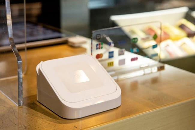 1台で交通系もApplePayも対応。人気ケーキ店が導入したのは「Square Reader(スクエアリーダー)」