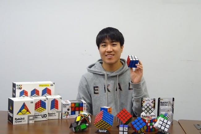 メガハウスの藤島勇太氏は年末に向けて新商品の準備を急ぐ