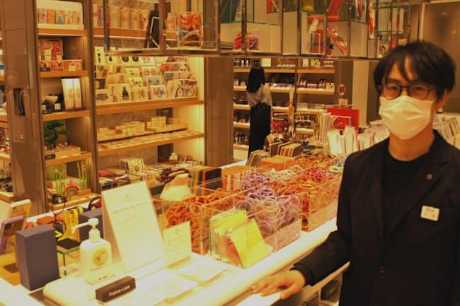イセタンシードは百貨店の「顔」として他の売り場への送客の役割も担う