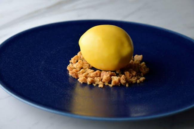 「日比谷OKUROJI」内、「パティスリーパロラ」の独創的メニュー「レモンのスペシャリテ」
