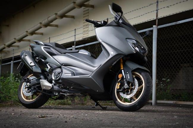 機能性やツーリング性能を追求した大型スクーター「ヤマハTMAX560 TECH MAX ABS」(写真:向後一宏、以下同)
