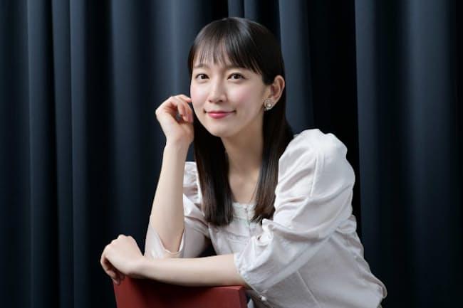 11月20日公開の映画『泣く子はいねぇが』に出演している女優の吉岡里帆さん