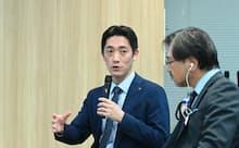 ヤマトホールディングスの齊藤 泰裕氏(写真左)