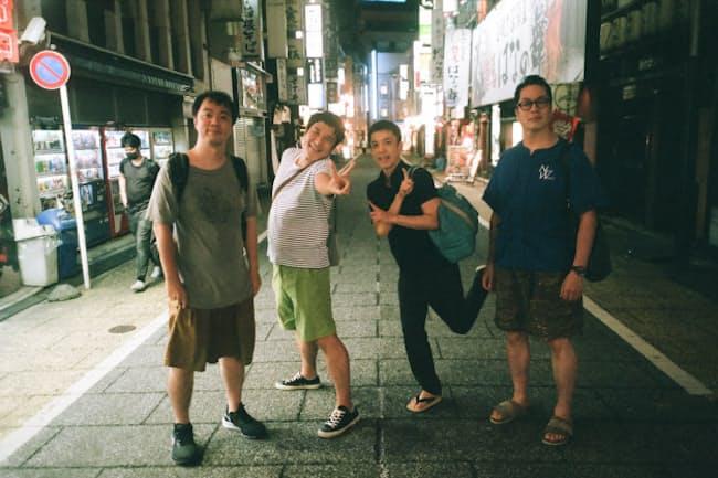 創作話芸ユニット「ソーゾーシー」のメンバー。右から玉川太福、春風亭昇々、瀧川鯉八、立川吉笑(撮影エリザベス宮地)