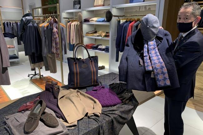 オリジナルデザインのPコートなど、独自の商品にも力を入れる