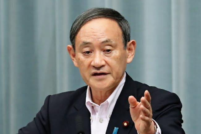 菅義偉首相は記者会見に臨む頻度が前政権よりも落ちた