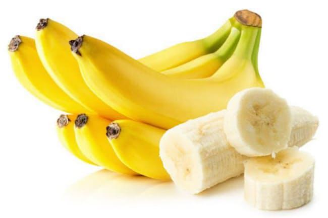 青みのあるバナナと黄色いバナナ、整腸作用がより期待できるのはどちらでしょう? (C)yurakp-123RF