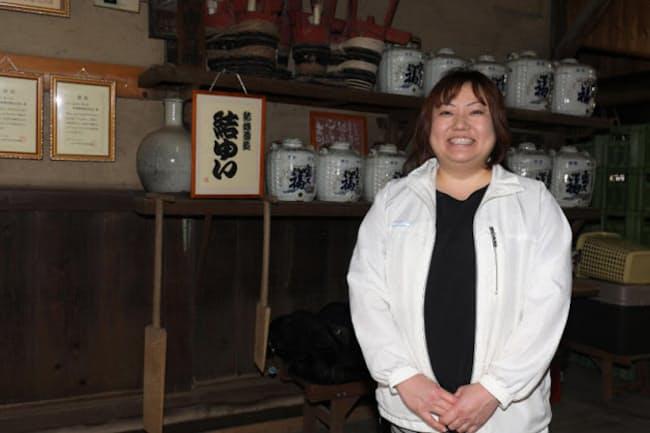 結城酒造の浦里美智子さん。9年前に杜氏への道を歩み始めた