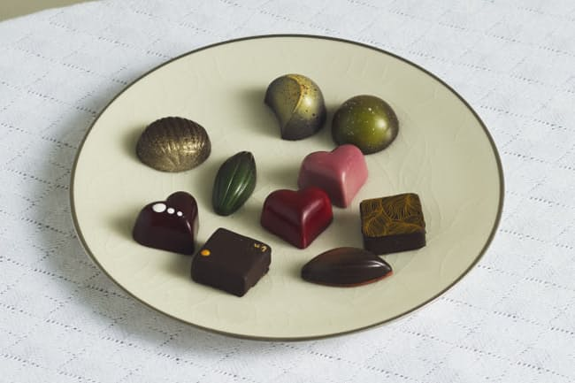 テーマは「旅」。日本各地の食材をチョコで味わう(アトリエ キュイエールの九州ショコラ)