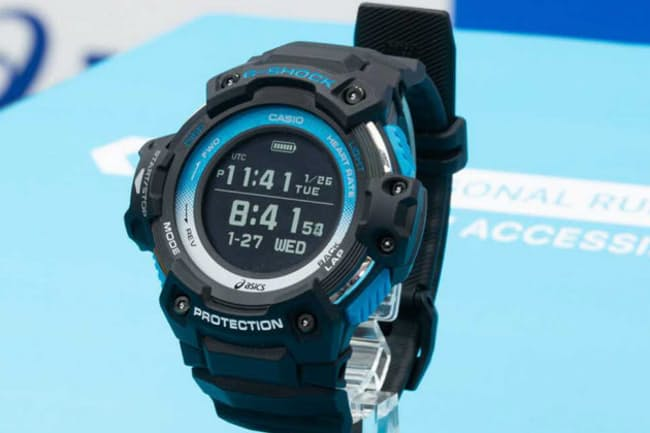 Runmetrix用のモーションセンサーと組み合わせることで、ランニング中にリアルタイムでフォームの乱れなどをモニタリングできるカシオ計算機の腕時計「GSR-H1000AS」