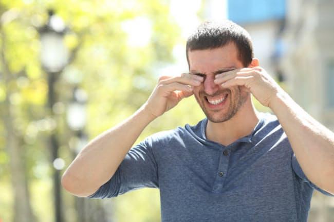 気温も上がってきたので、花粉症の症状に悩まされる人も増えてきた? 写真はイメージ=(c)Antonio Guillem-123RF