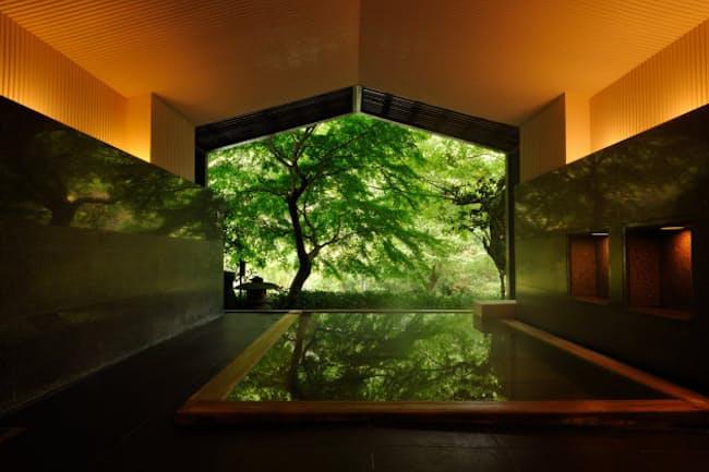 界箱根の大浴場からの眺めはまるで1枚の絵のように美しいが、冬場は寒く顧客満足度に影響が出ていた