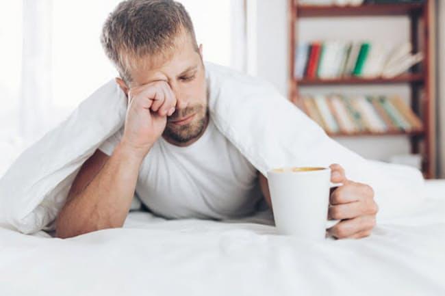 睡眠不足のときほど濃いブラックコーヒーを飲みたくなるものだが……。写真はイメージ=(C)Tomas Anderson-123RF