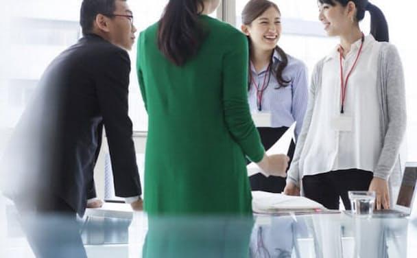 笑いが増えれば職場の活性化が期待できる。写真はイメージ