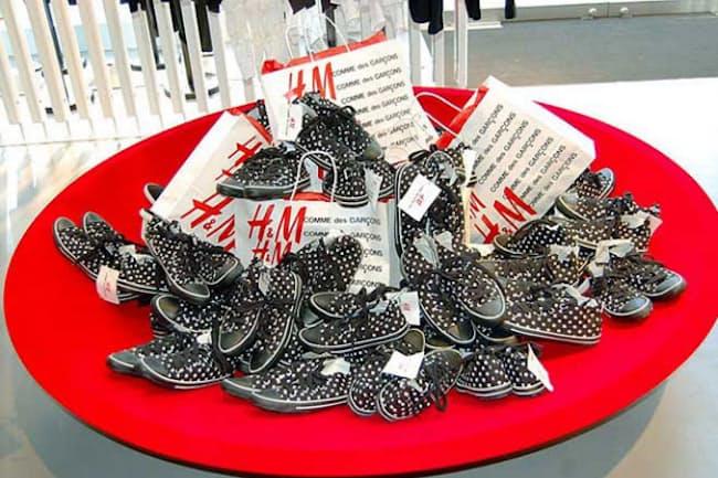 H&Mが日本に上陸した08年に実施された、「コム デ ギャルソン」とのコラボ