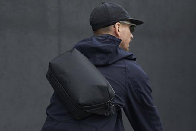 近くに出かけるには小さめのバッグが便利だ