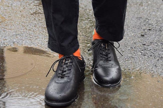 中に水が染みない靴なら雨の日も快適