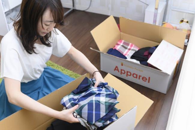 季節外の洋服など使用頻度の低いものは箱に詰めるのがおすすめ=丹野 雄二撮影
