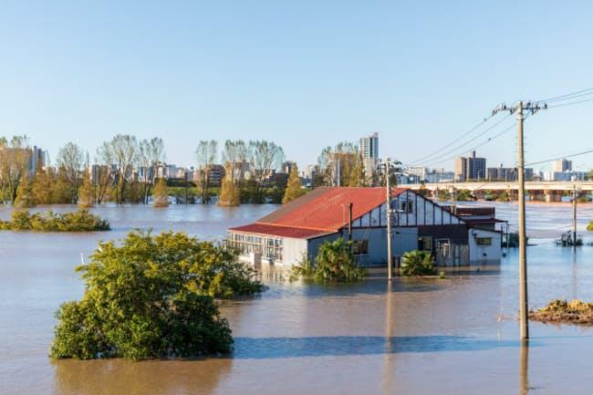 都市部でも急な増水で被害を受けることが増えた(写真はイメージ)=PIXTA