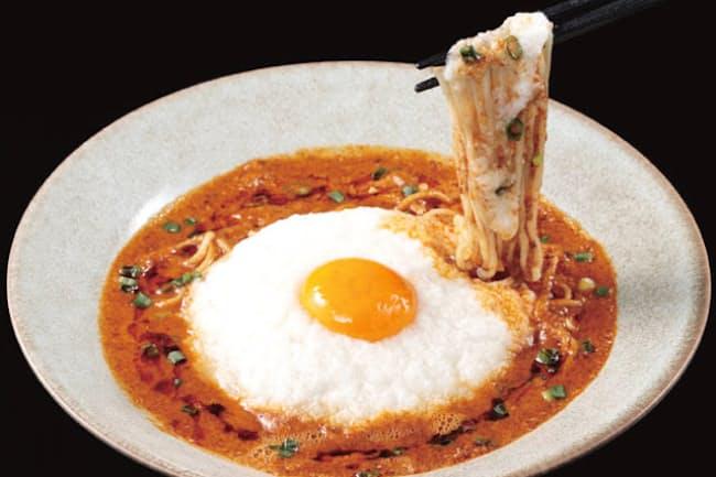 とろとろした食感や、マイルドなピリ辛味のゴマのうま味が魅力の「47china」のお月見風担々麺