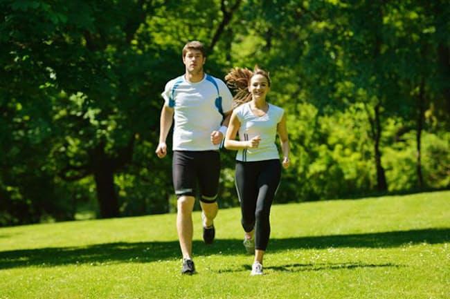 運動習慣がある人は新型コロナの重症化リスクが低いことが、米国の健康保険会社の分析で明らかになりました。(写真=123RF)